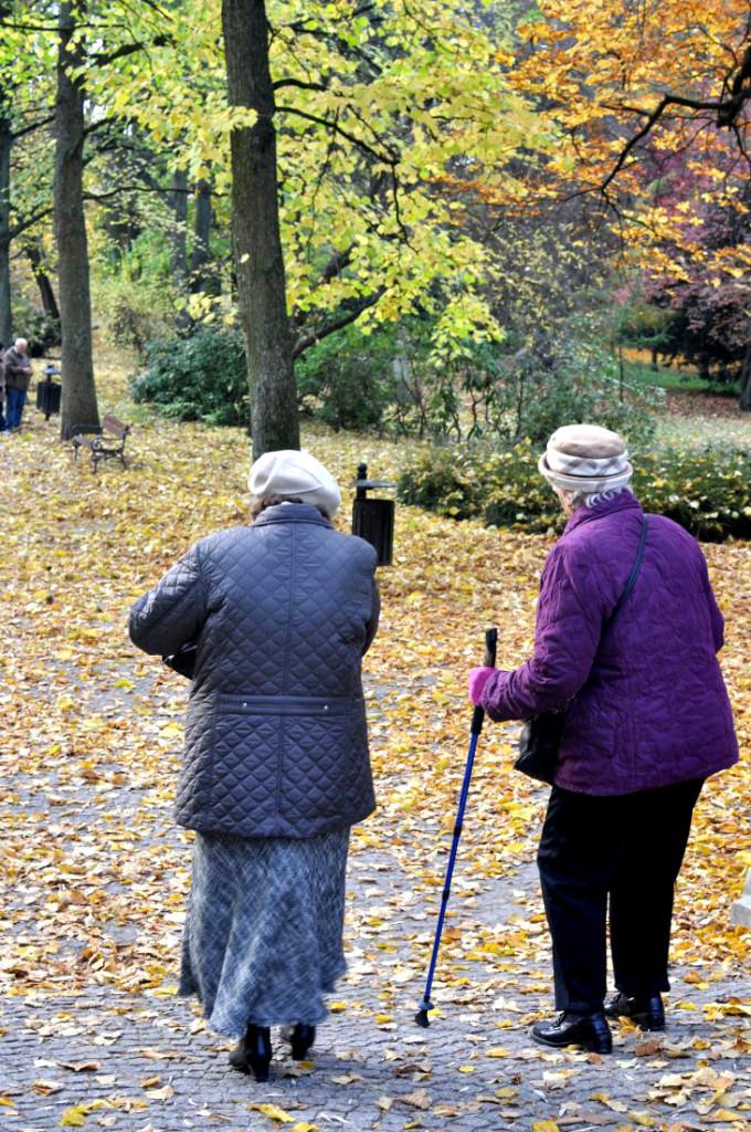 Koszaliński park jesienią. Koszalinianki. bebuszka