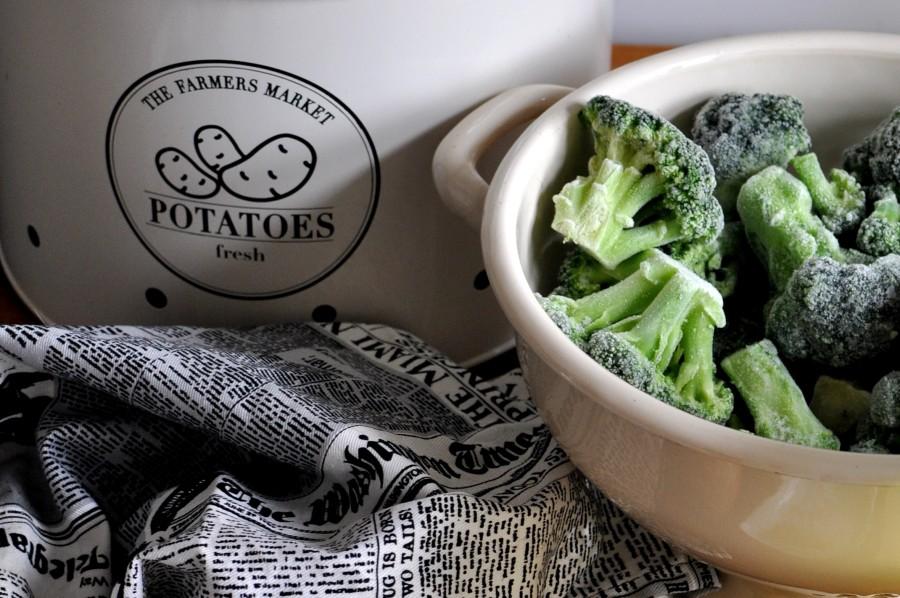 Przepis na zupę krem brokułowy. Mrożone brokuły.